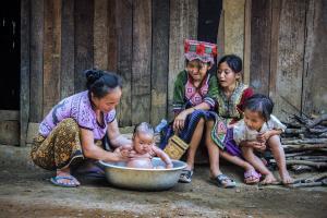 KBIPA Merit Award - Lin Kuw Ming (Malaysia)Baby Bathing