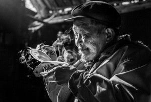 KBIPC Merit Award - Yan Wu (China)  Tasting Tea