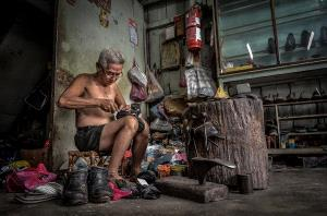 IUP Honor Mention - Siew Thong Chu (Malaysia)  Old Shoemaker