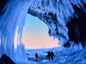 IUP Silver Medal - Jiashun Feng (China)  Explore In Ice Cave
