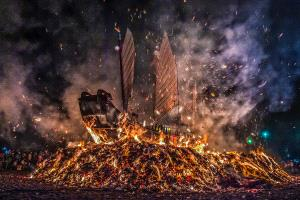 PhotoVivo Honor Mention e-certificate - Yuk Chiu Stanley Kwok (Hong Kong)  Burning Emperor Ship