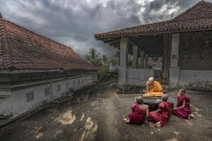 APU Honor Mention e-certificate - Pandula Bandara (Sri Lanka)  Learning From The Senior Monk