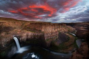 APAS Honor Mention e-certificate - Philip Chan (Canada)  Palouse Falls Sunset