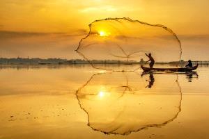 APU Honor Mention e-certificate - Wing Chung Kenneth Leung (Hong Kong)  Sunrise Fishing